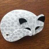 Lea Stein Gomina the Sleepy Cat Brooch In unusual White with Silver Spots  Effect (SOLD)